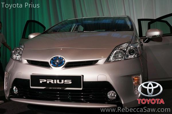toyota prius-001