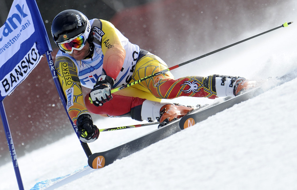 Michael Janyk  races giant slalom in Bansko, Bulgaria.
