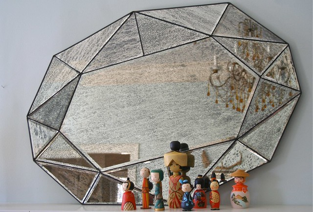 kokeshi, a gem mirror, and an old italian chandelier