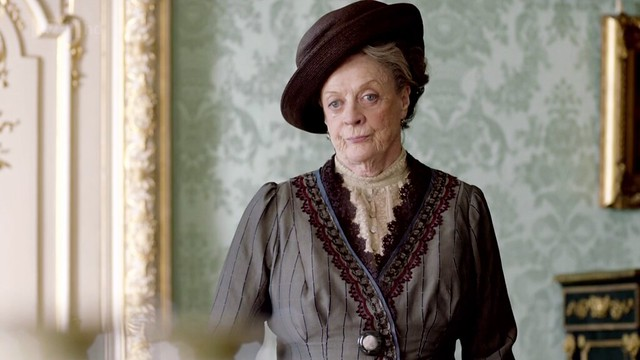 DowntonAbbeyS02E08_Violet_darkgrayburgundybluelace