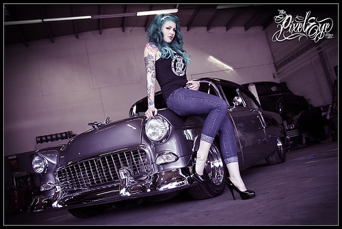 ‎Victoria van Violence & the 1955 Bel Air (2012)