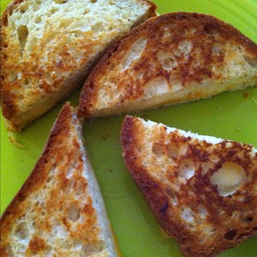 Hi. I'm going to watch Justified and make out with these here grilled cheese sammiches. <3