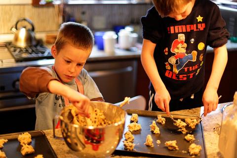 makingcookies1-0312