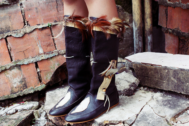 Pretty feather knee-high boots