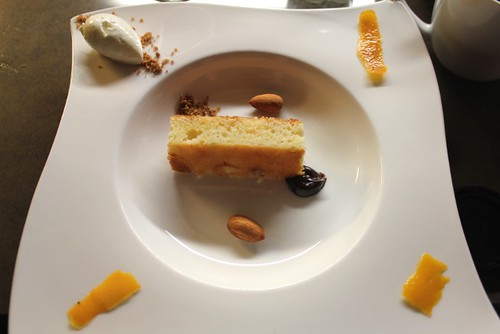 Yogurt orange cake, almonds, graham cracker crust, sour cream