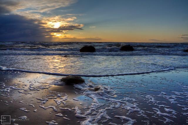 Wreck Beach, Suns Glare