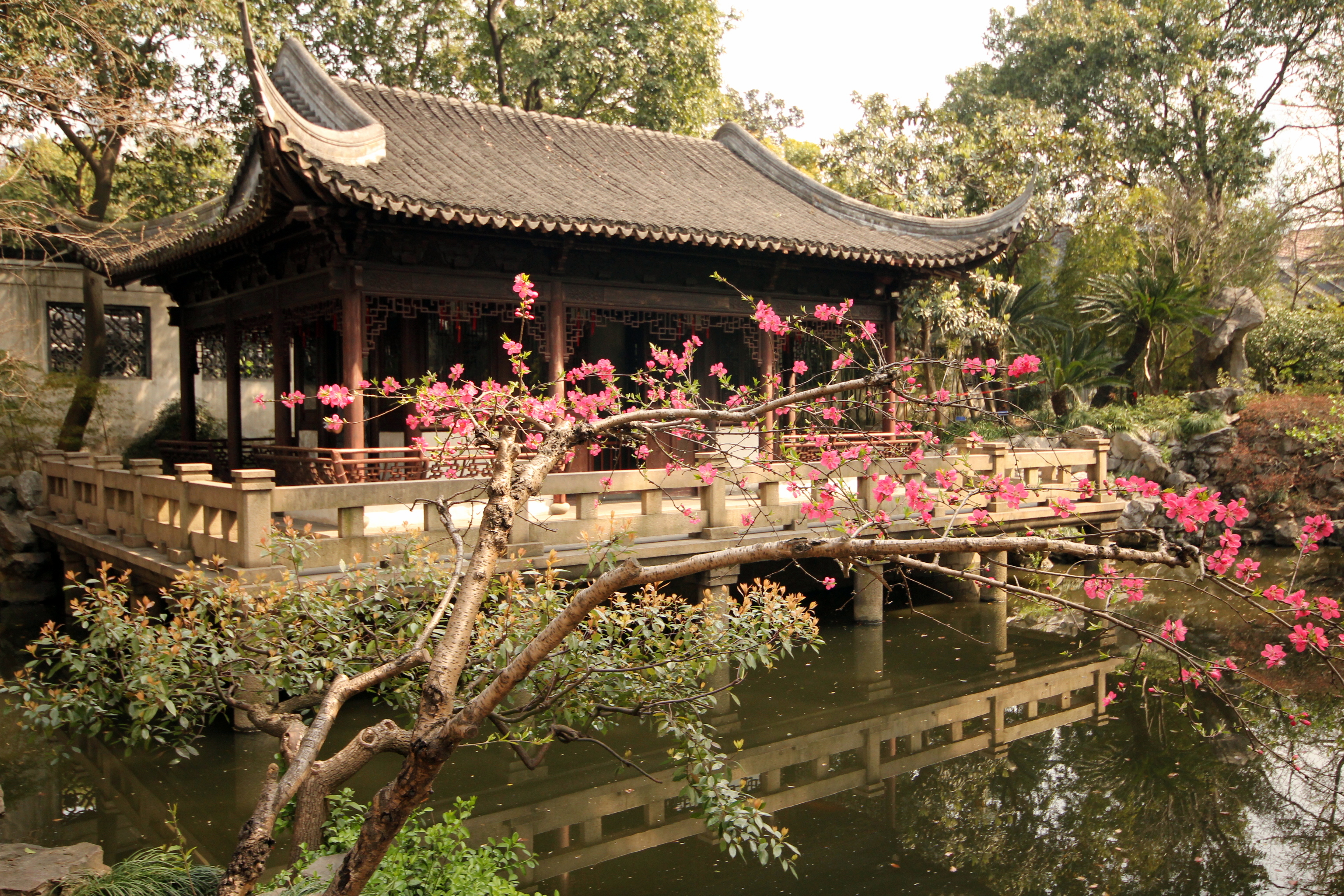 50 elegant photos of yu garden in shanghai boomsbeat - Jardin de china ...