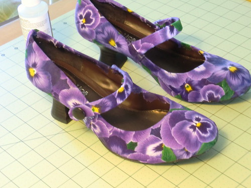 Pansy fabric shoe refashion