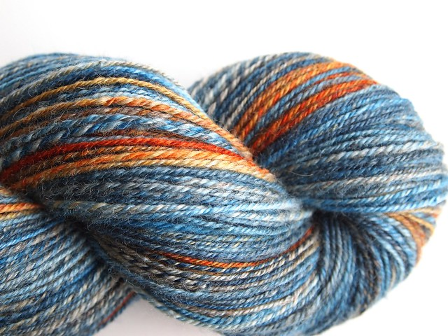Nest fiber studio-vBFL-Koi-302yds-chain plied
