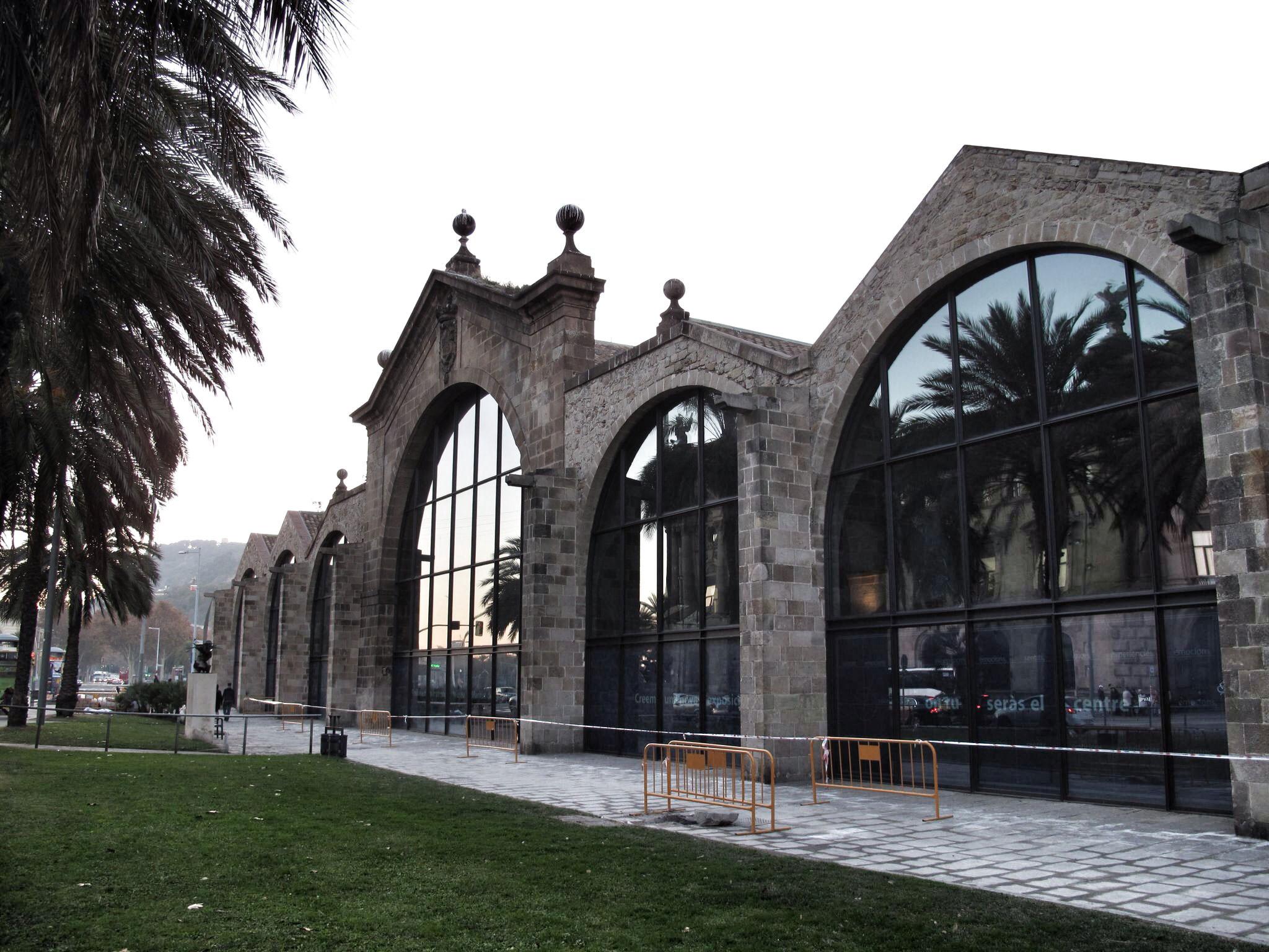 reales atarazanas barcelona_fachada avenidad paralelo