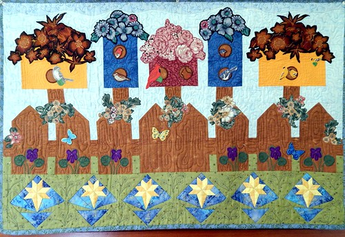 Quilted Wall Hanging with 5 Birdhouses & 5 Kinds of Birds