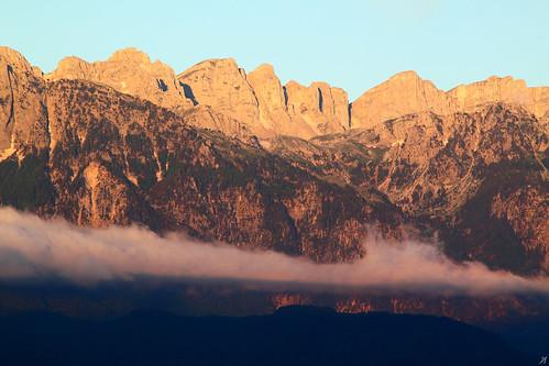 park morning blue sky cloud mountain snow tree pine forest sunrise mt deep clear ridge greece national nigra rossa pinus epirus pathes gamila πεύκα βουνό pades konitsa πεύκο χιόνια δέντρο αυγή πρωί aoos σύννεφο timfi smolikas οροσειρά tsouka δάσοσ μαύρη γκούρα ήπειροσ γκαμήλα karteros πεύκη tymphe εθνικόσ πίνδοσ λάκκα τύμφη καρτερόσ κόνιτσα πάδεσ βίκου λάπατοσ lapatos πλόσκοσ σμόλικασ τσούκα ρόσσα palioseli αώοσ αώου δρυμόσ