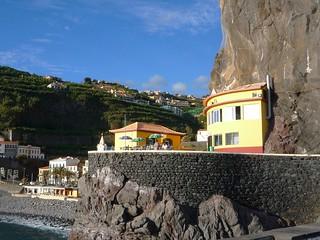 Pittoreske Lage zwischen Calheta und Funchal Madeira