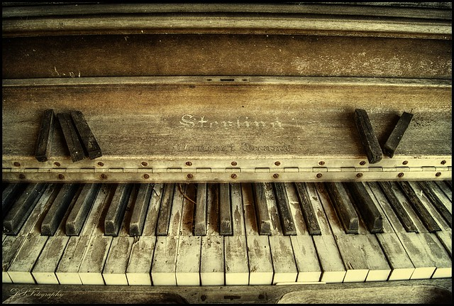 photo old piano - photo #4