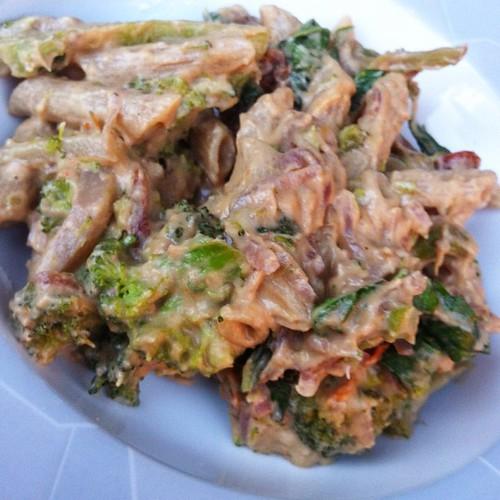 Creamy sundried tomato rigatoni w/broccoli