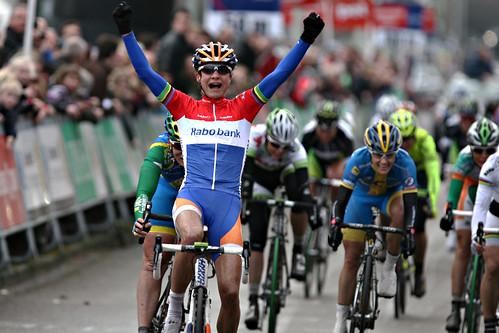 Marianne Vos wins vor Kirsten Wild and Emma_Johansson
