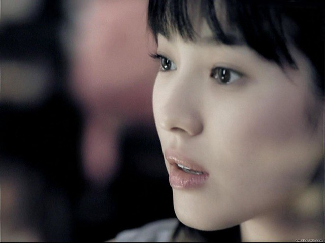 Song_Hye_Kyo_8Wallpaper