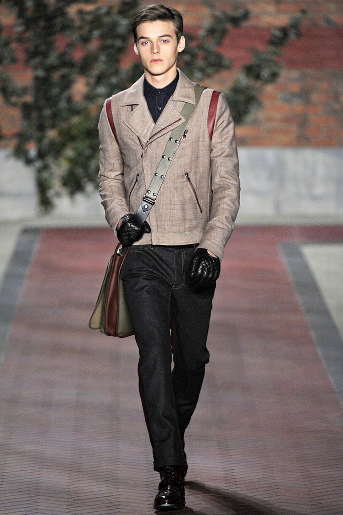 FW12 NY Tommy Hilfiger026_Robbie Wadge(VOGUE)