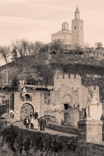 trees church canon hill bulgaria velikotarnovo patriarchate tsarevets velikoturnovo canonef70200mmf28lusm canoneos50d canon50d царевец великотърново