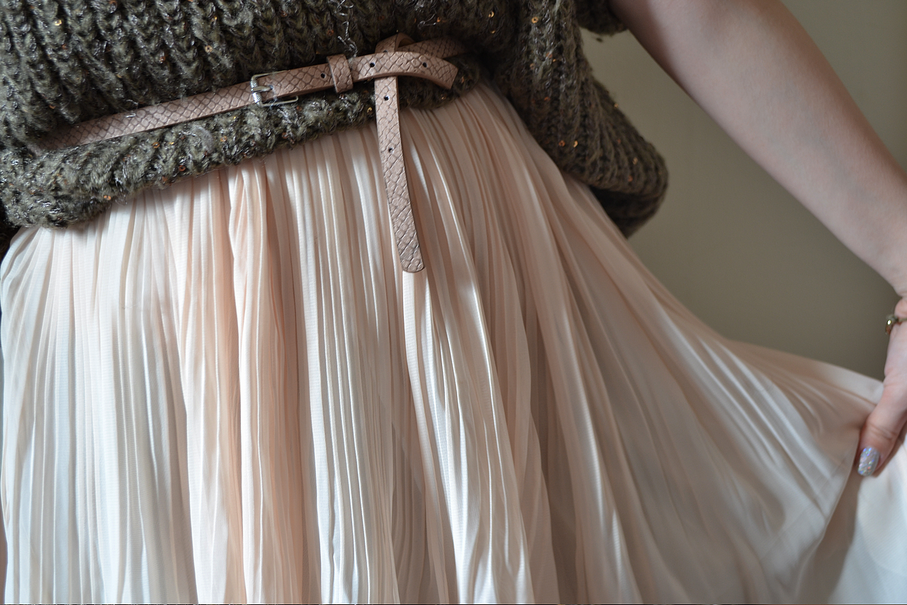 daisybutter - UK Style Blog: ever ours, soft pleating, pleated skirt and jumper, ss12, fashion blogger