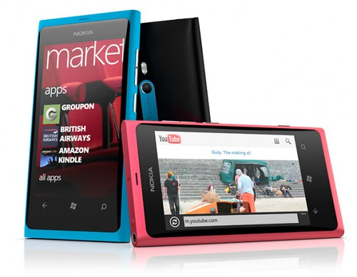 Nokia Lumia 800: Colorido Smartphone con Windows Phone