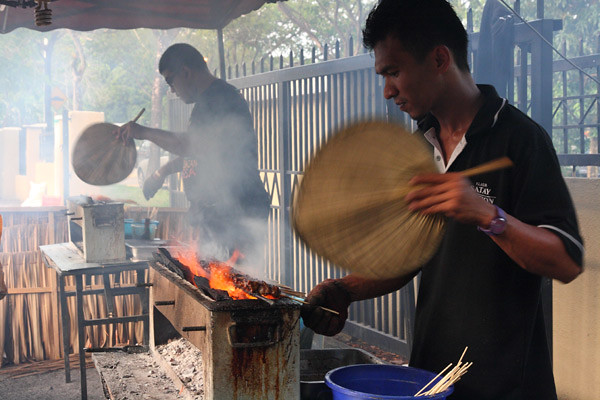Klasik Satay Cooks