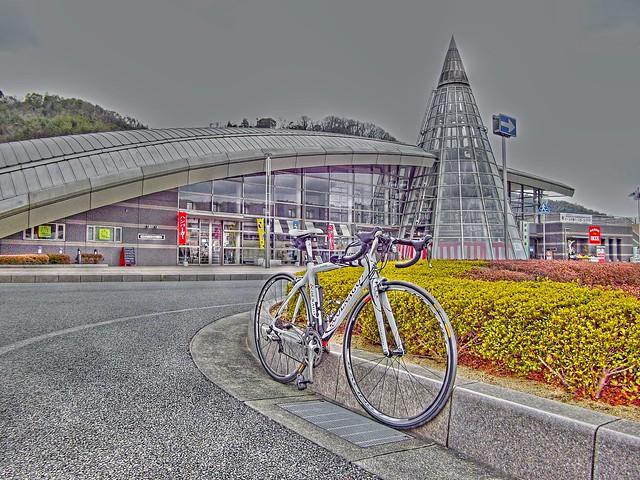 井原駅と♣コルニャーゴ(COLNAGO CLX2.0)