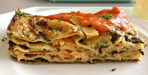 Lachs-Spinat-Lasagne / Salmon spinach lasagne - CloseUp