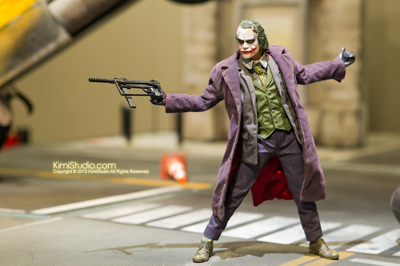 2011.11.12 HOT TOYS-130
