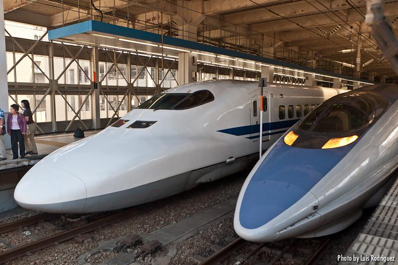Serie 700 y Serie 500 de shinkansen