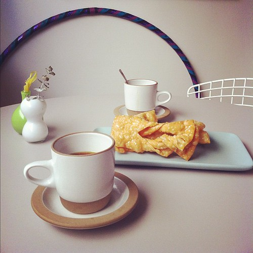 Breakfast nook getting action.