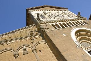 tuscania  church