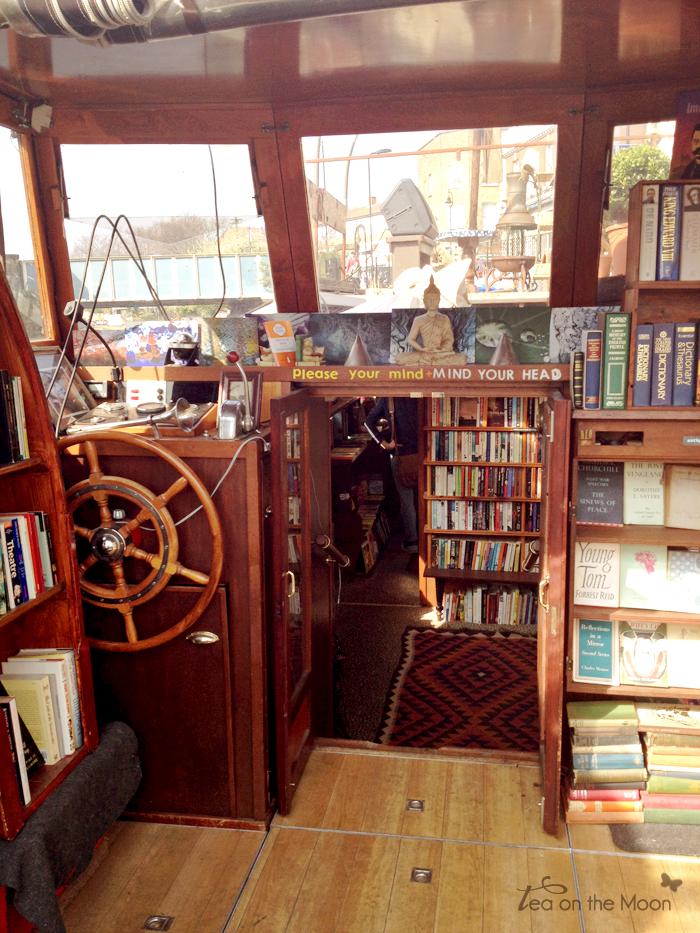 broadway market bookstore08
