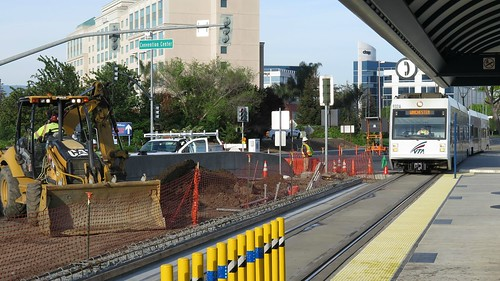 light rail construction in Santa Clara