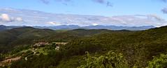 Panorama sur les Cévennes, au loin le hameau de Carnoulès