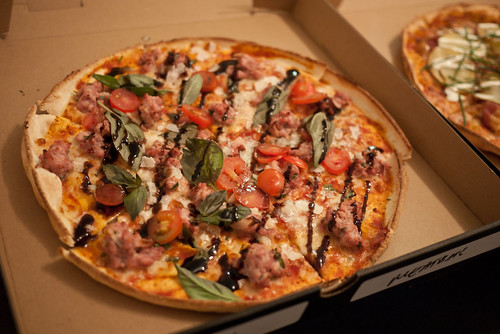Roast lamb pizza