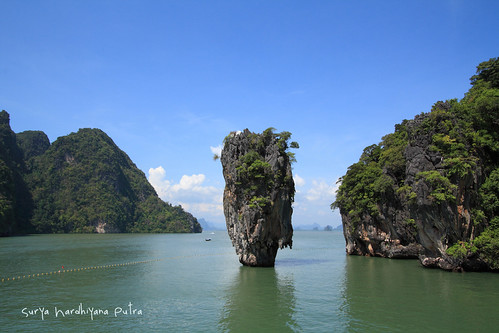 Pemandangan di James Bond Island