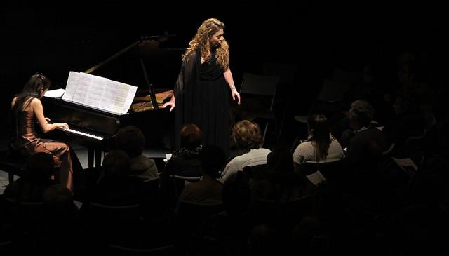 PILAR VÁZQUEZ (MEZZOSOPRANO) Y ELISA RAPADO (PIANO) - CONCIERTO EN PONFERRADA 04.02.2012