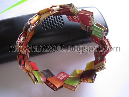 Paper Jewelry - Handmade Candywrap Bangle by fah2305