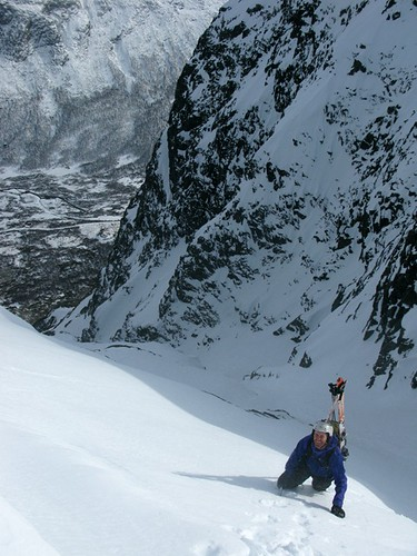 Erlend Sande in the couloir close to the top