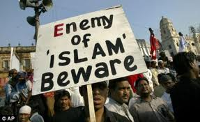 Banner: Enemy of Islam beware