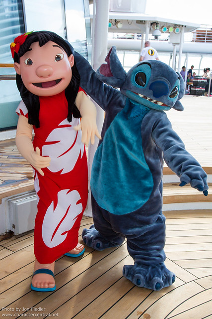 DCL Feb 2012 - Meeting Lilo and Stitch