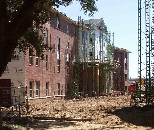 building2-4