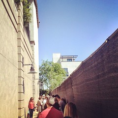 The line is wrapped around down an alley for @GDeLaurentiis #WeeknightswithGiada