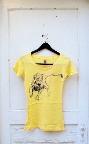 Lemonade Lioness Scoop Neck T