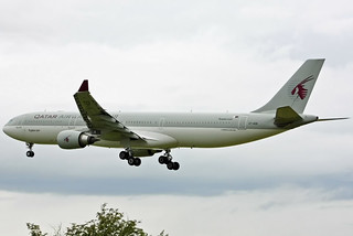 Qatar Airways A330-300 A7-AEB