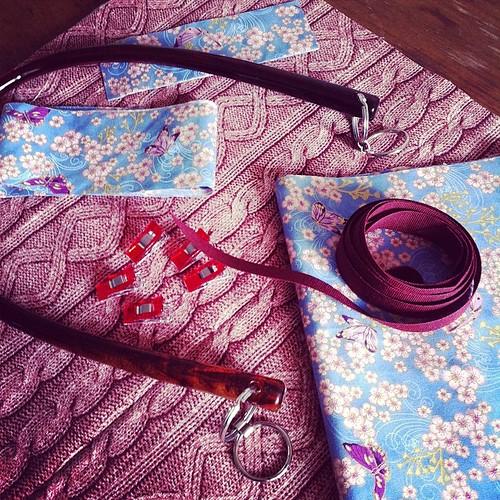 All the pieces are cut: now I'm ready to sew:) Tutti i pezzi sono tagliati: ora sono pronta a cucire:)