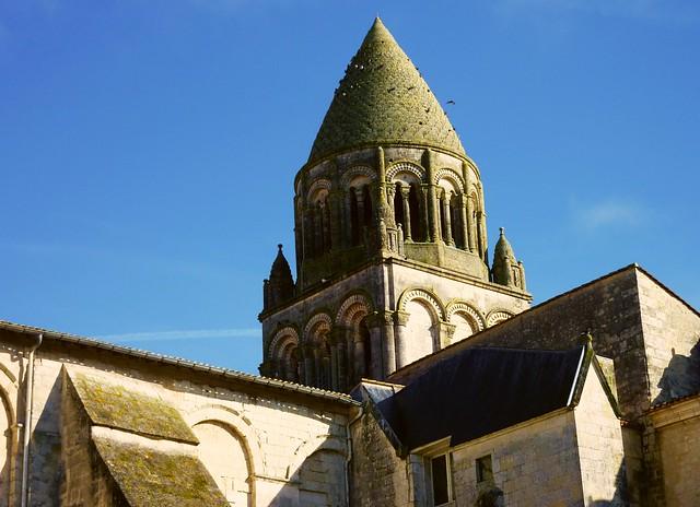 eglise catholique Poitiers