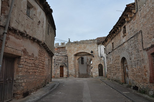 Presencio (Burgos). Puerta en la muralla