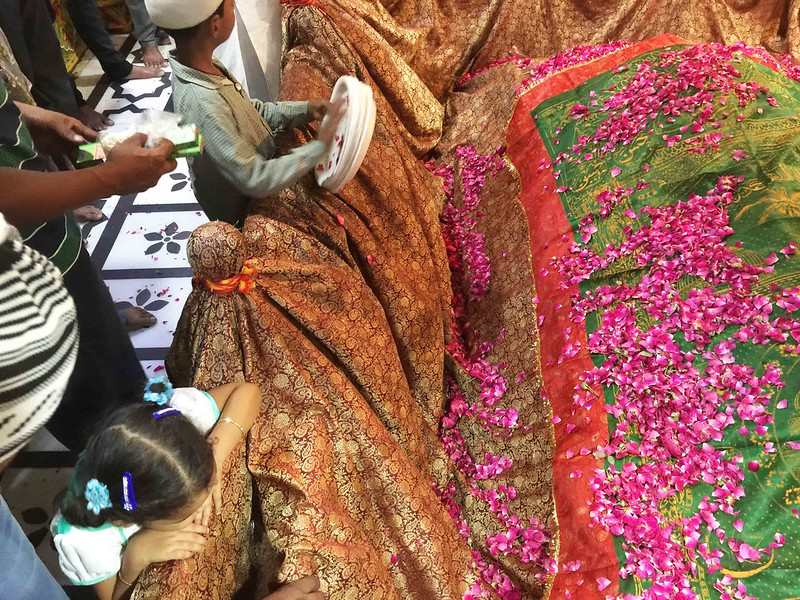 City Moment – The Sufi Feminist's Rebellion, Hazrat Nizamuddin Auliya's Tomb